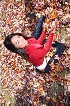 Free Sexy Woman In Fall Fashion Outdoors Royalty Free Stock Images - 1548449