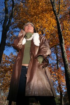 Free Sexy Woman In Fall Fashion Outdoors Royalty Free Stock Image - 1549746