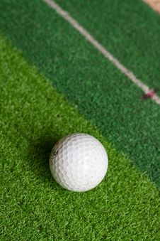 Free Golf On Green Stock Photography - 15400802
