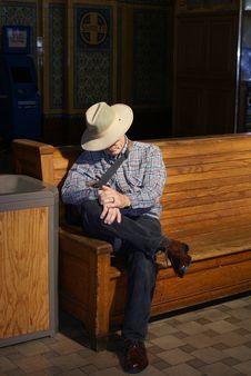 Senior Man Waiting In Train Station Royalty Free Stock Photography