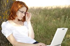 Free Businesswomen In White With Glasses And Laptop Stock Photography - 15402422