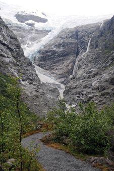 Free Path To Kjenndalen Glacier, Norway Royalty Free Stock Photos - 15406938