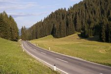 Free Mountain Asphalt Curve Road Stock Images - 15408524