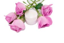 Free Roses And Cosmetic Cream Royalty Free Stock Photography - 15412757
