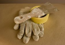 Free Gloves And Putty Knife Royalty Free Stock Photo - 15413885