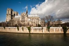 Free The Notre Dame De Paris Church Stock Photos - 15418603