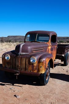 Free Old Truck Royalty Free Stock Photo - 15424075