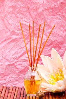 Free Essential Or Aromatherapy Oils Royalty Free Stock Photos - 15424248