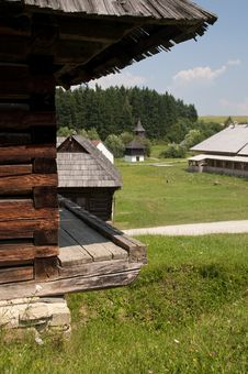 Free Traditional Wooden Houses Stock Images - 15424254