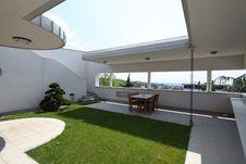 Free Modern Vila In Zagreb Stock Photography - 15426932