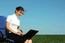 Free Young Woman With Laptop Outdoor Stock Images - 15427394