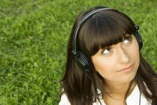 Free Young Woman Listening To Music Stock Images - 15431004