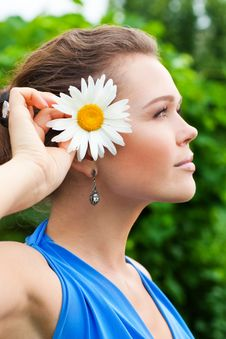 Free Female Profile With Flower Stock Photography - 15431602