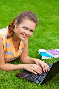 Free Pretty Girl With Laptop Stock Image - 15431661