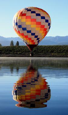 Free Hot Air Balloon Over Lake Stock Image - 15432711
