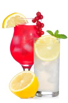 Free Red Cocktail And Lemonade With Lemon Royalty Free Stock Photos - 15435568