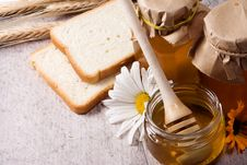 Free Honey And Bread Royalty Free Stock Photos - 15436608