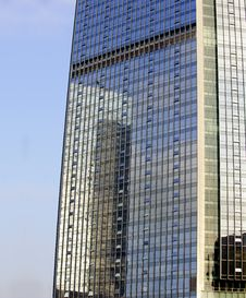 Free Mirror Image Of A Building Stock Photos - 15436983