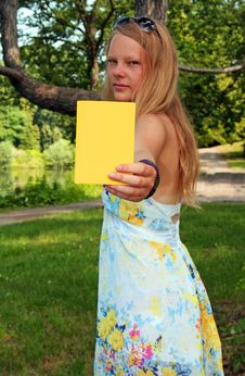 Free Yellow-Card Royalty Free Stock Images - 15437499