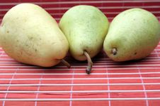 Free Pears Royalty Free Stock Photography - 15440047