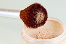 Free Brush And Container With Powder Stock Photos - 15440133