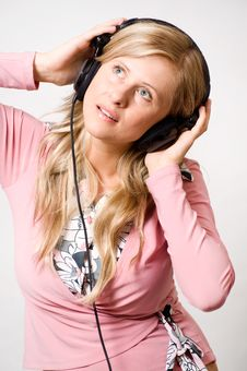 Free Girl With Headphones Royalty Free Stock Image - 15443146