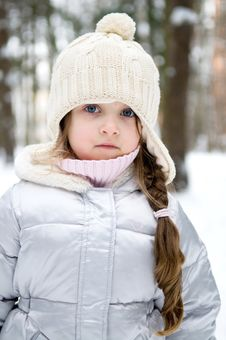 Free Winter Toddler Girl In Warm  Hat In Forest Stock Image - 15447031