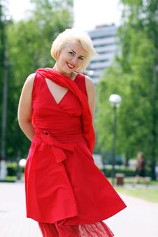 Free Woman In Red Dress Royalty Free Stock Photos - 15450128
