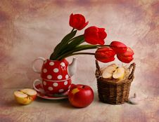 Free Still Life With Tulips And Apples Royalty Free Stock Image - 15452776