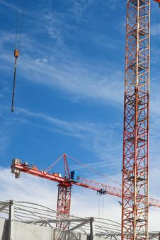 Free The Crane Elevating Against The Sky Stock Photography - 15454832