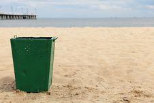 Free Bin Garbage At Beach Stock Images - 15455144