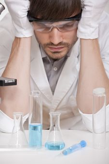 Free Chemical Experiment Royalty Free Stock Photos - 15455708