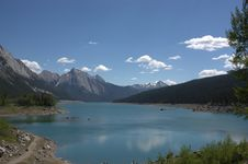 Free Maligne Lake Royalty Free Stock Photos - 15459078