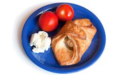 Free Croissant, Cream Cheese And Tomatoes On A Plate Royalty Free Stock Photos - 15463508