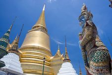 Free The Giat And Gold Pagoda At Wat Phra Kaew Stock Photo - 15465750