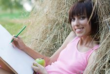 Free Lovely Girl Drawing In The Park Stock Photo - 15469340
