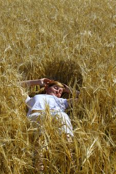 Free Woman In Wheat Royalty Free Stock Images - 15471499
