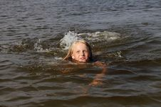 Free Girl Swimming. Royalty Free Stock Photos - 15472178