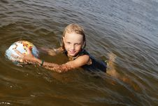 Free Girl Swimming. Royalty Free Stock Photos - 15472308