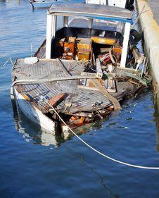 Free Broken Boat Royalty Free Stock Photos - 15473278