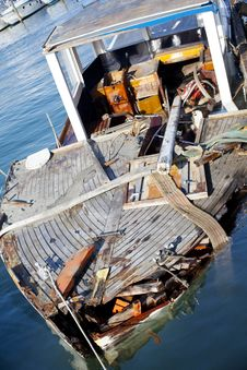 Free Broken Boat Stock Image - 15473311
