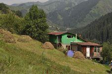 Free House On Mountainside Stock Photo - 15474220