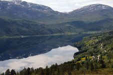 Free Haukedalsvatnet Lake, Norway Royalty Free Stock Photography - 15475107