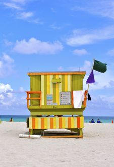 Free Green, Yellow And Orange South Beach Hut Royalty Free Stock Image - 15478316