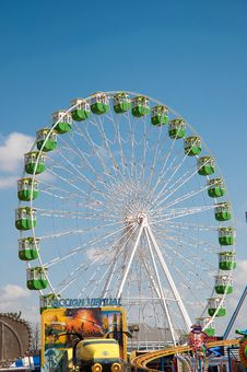 Free Ferris Wheel Stock Images - 15486624