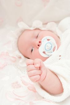 Hand Of The Newborn Baby Stock Photos