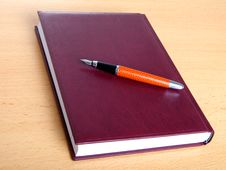Free Notebook And Pen Royalty Free Stock Photos - 15488198