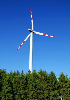 Free Wind Turbine Royalty Free Stock Photo - 15488375