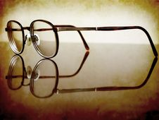Free Antique Glasses Royalty Free Stock Images - 15492739