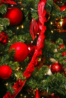 Free Red Christmas Ornaments Stock Photo - 15494490